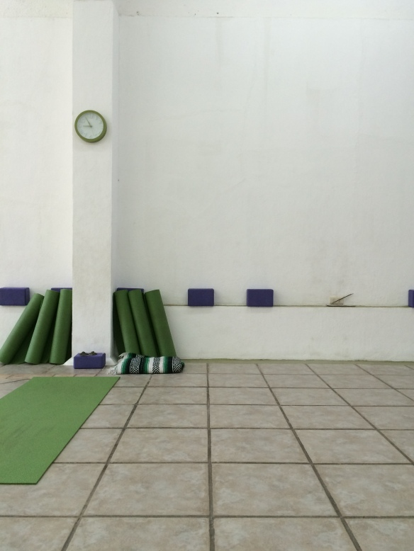 Kupuri Yoga has mats and blocks for students to use for free.